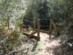 puente en el sendero